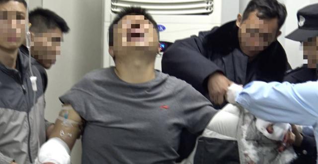 云南警方初一破获特大武装贩毒案 缴获毒品660斤3